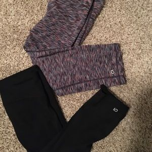 PAIR OF 2 GAP FIT WOMENS XS LEGGINGS